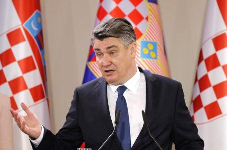 Tensionet në veri të Kosovës/Presidenti kroat: Beogradi leh kot