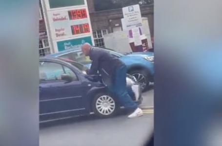 VIDEO/E tmerrshme, njerëzit zihen me thika për disa pika benzinë